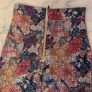 H&M floral skirt w/ gold zips // size 2